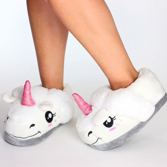 chaussons femme rigolos et originaux en forme de licorne