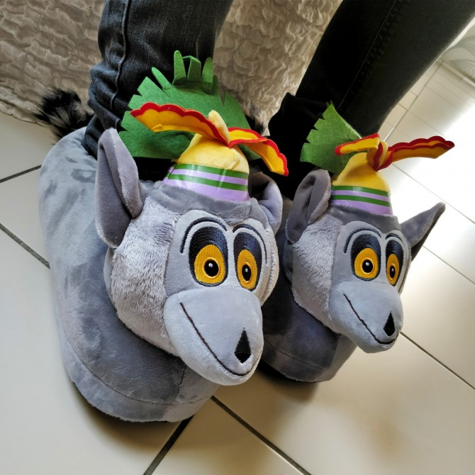 dce65657f3a3a Chaussons animaux peluche King Julian - film Madagascar - homme et ...